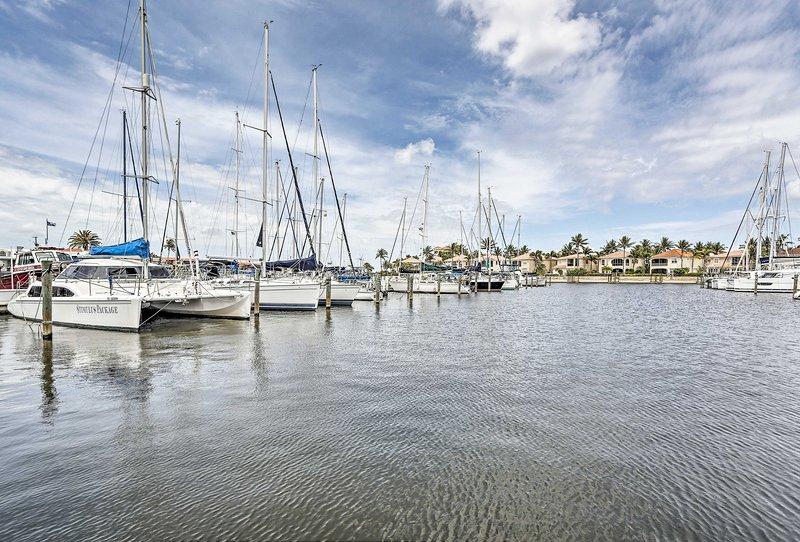La location de vacances avec 1 lit et 1 salle de bain se trouve à quelques pas de la rampe de bateau du Burnt Store Marina.