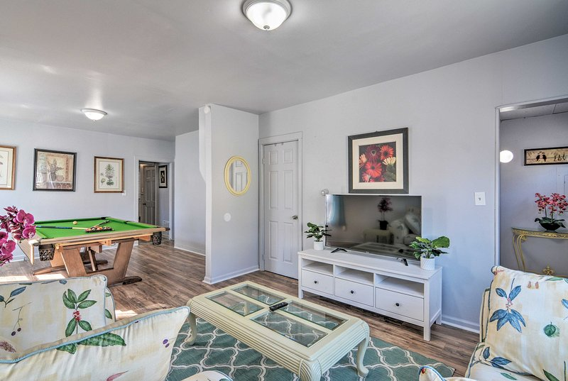 This newly remodeled Buffalo home has accommodations for 4 guests!