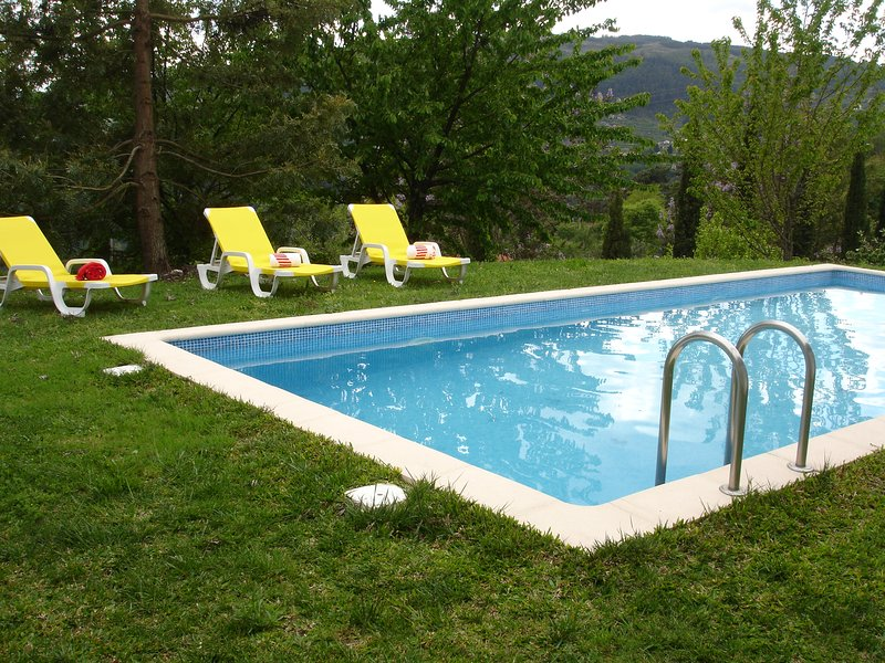 Casa do Tarrio Guesthouse Farm near Douro Valley, casa vacanza a Resende
