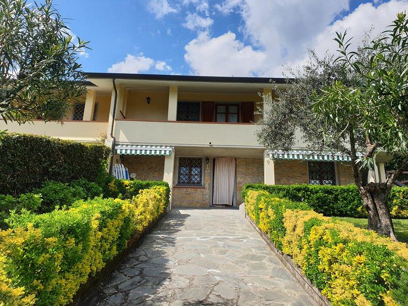 Villa Marcella, casa vacanza a Valdicastello Carducci