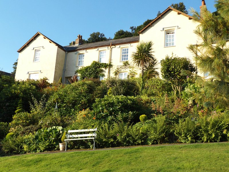 DRIFTWOOD, WiFi, Electric fire, Open-plan living, Lynton, holiday rental in Barbrook