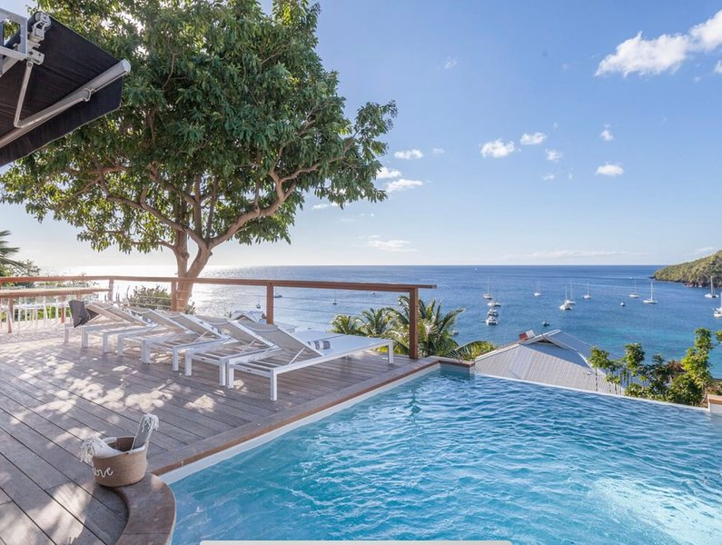 Luxury Villa with Caribbean Sea Views, alquiler vacacional en Les Anses d'Arlet