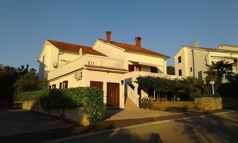 Two bedroom apartment Njivice, Krk (A-17010-b), alquiler vacacional en Sveti Vid-Miholjice