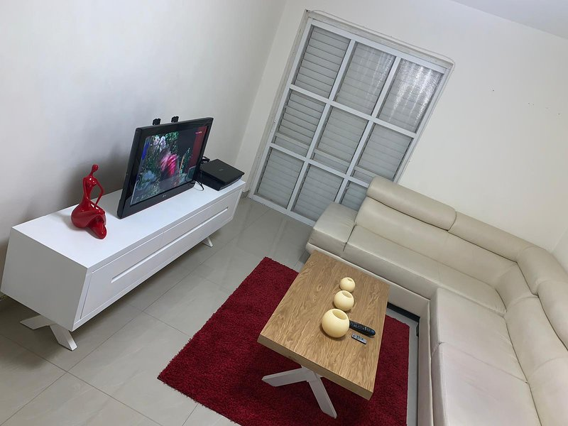 NEW fixed for famelies BIG 3 rooms with HOT TUB, alquiler de vacaciones en Ein Gedi