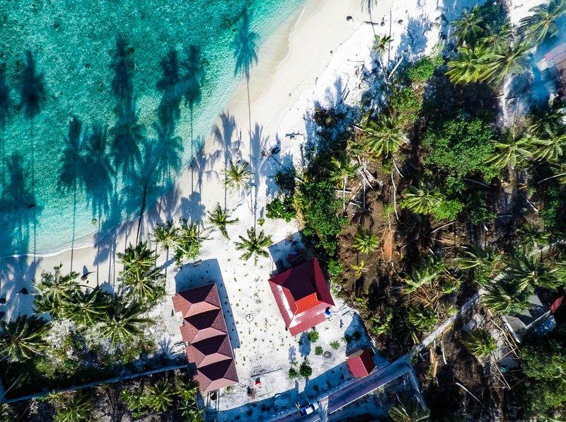 Lances Right Surf Villas, holiday rental in Sumatra
