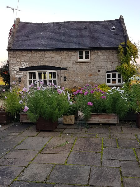 Picturesque detached Welsh stone cottage., location de vacances à Rossett
