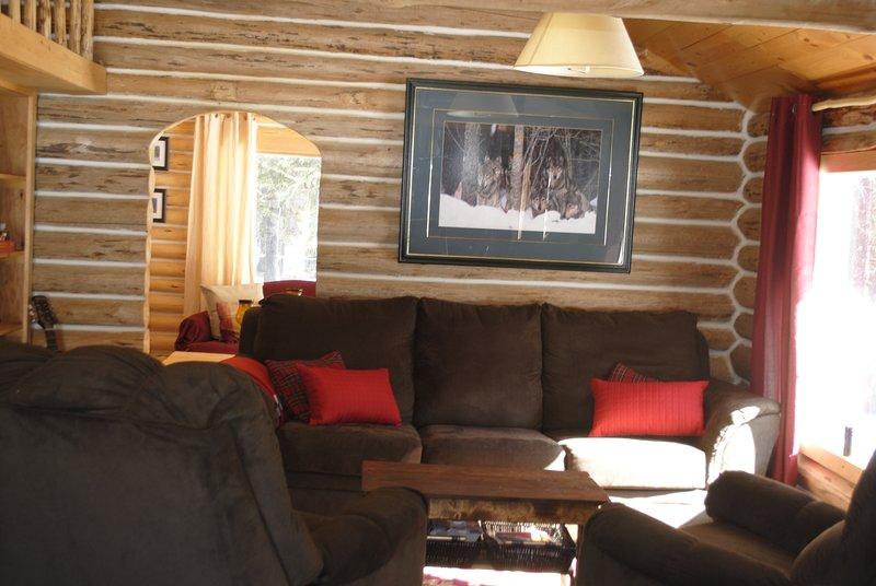 16 Mile Family Cabin Living Room