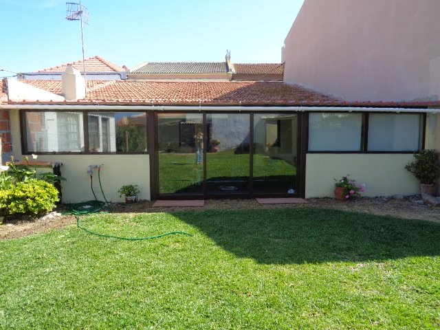 Peniche beach house with outdoor space!, vacation rental in Peniche