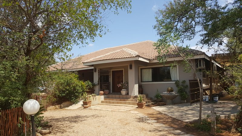 Aloes Bush Stay Pumba room, vacation rental in Balule Nature Reserve