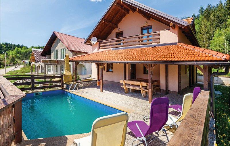 Amazing home in Vrata with Sauna, WiFi and 4 Bedrooms (CKB170), casa vacanza a Benkovac Fuzinski