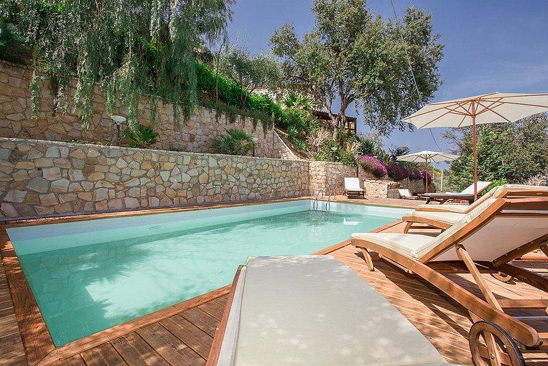 Cefalu Villa With Pool and Sea Views, Villa Profondo Blu (ex Villa Cielo Mare), holiday rental in Gibilmanna