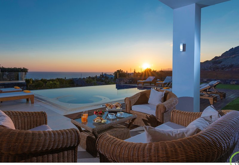 Luxury Irida Villa in Hersonissos with private heated pool and near sea – semesterbostad i Kreta