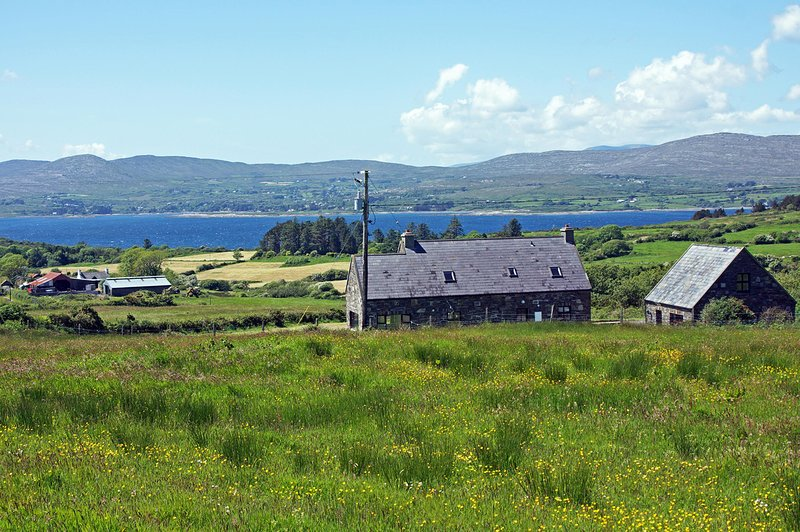 88 - Dunbeacon, Durrus, holiday rental in Gouladoo