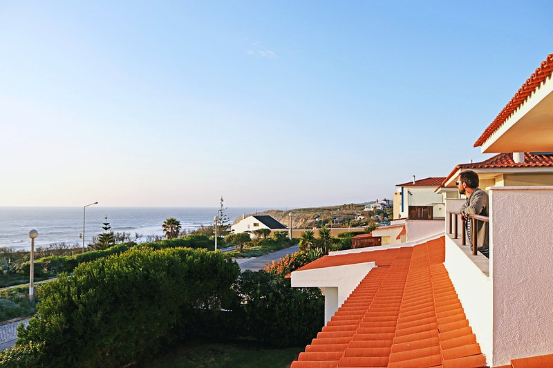 Casa Moinhos do Mar Ericeira Central com Vista de Mar, vacation rental in Ericeira