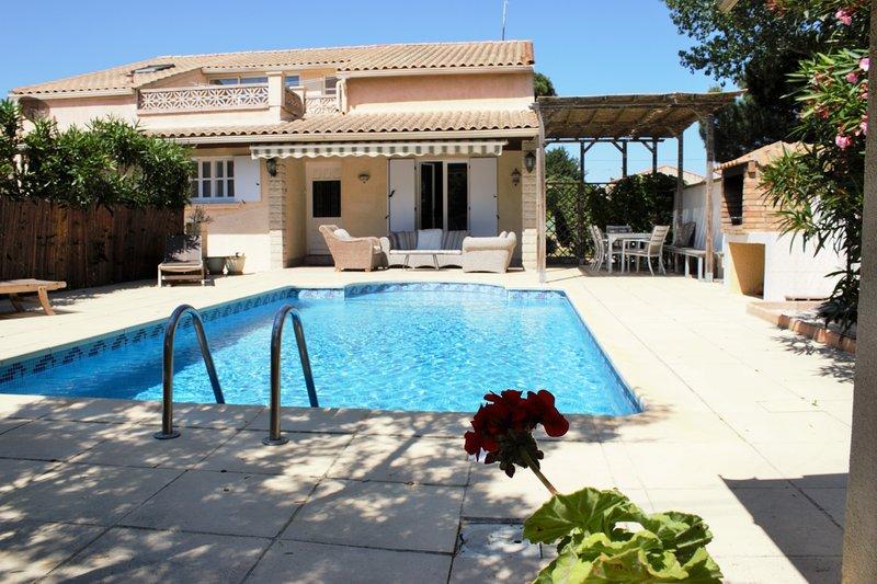 5 bedroom House with pool, 500 meters to beach, holiday rental in La Tamarissiere