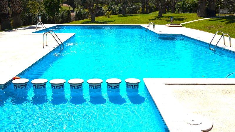 Costa Blanca South - 2 Bedroom 2nd Floor Apartment - Villamartin Plaza, holiday rental in Villamartin