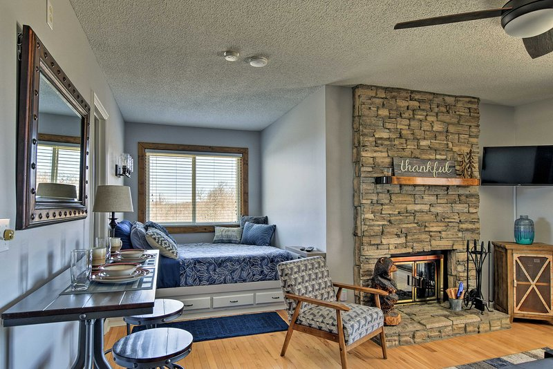 Book a trip to this vacation rental studio in Beech Mountain.