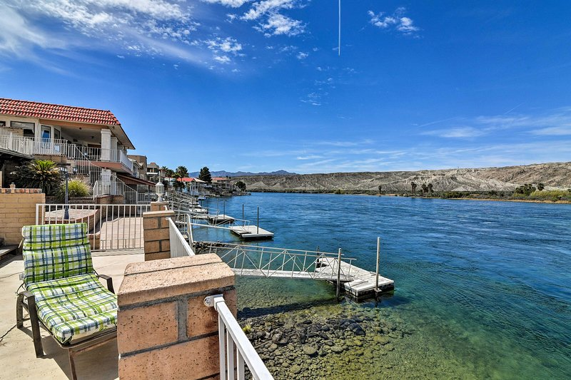 Ligger direkt på Colorado River, spenderar du oändliga dagar båtliv!