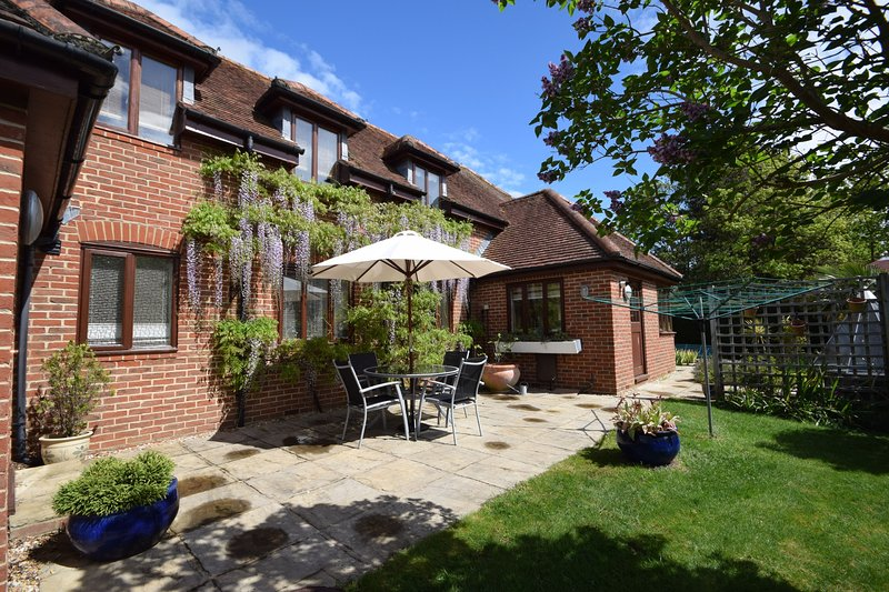 Wisteria Way,  Tangmere, vacation rental in Chichester