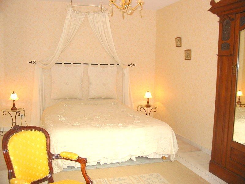Chambre Le Colombier-----Chambres d hotes Les Salamandres, casa vacanza a Montlivault