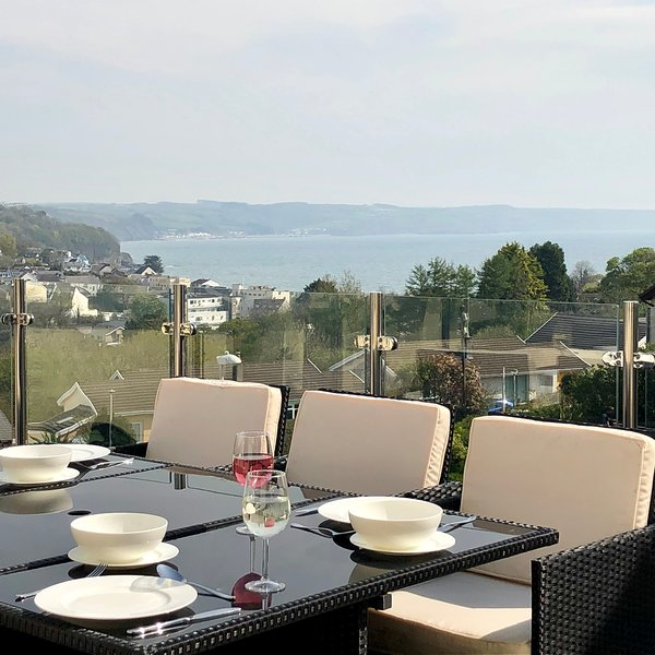 Saundersfoot luxury property: great location with sea views, hot tub, Sky TV, vacation rental in Saundersfoot