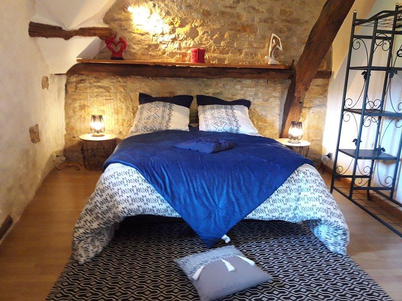 Petite maison, location de vacances à Villeneuve d'Aveyron