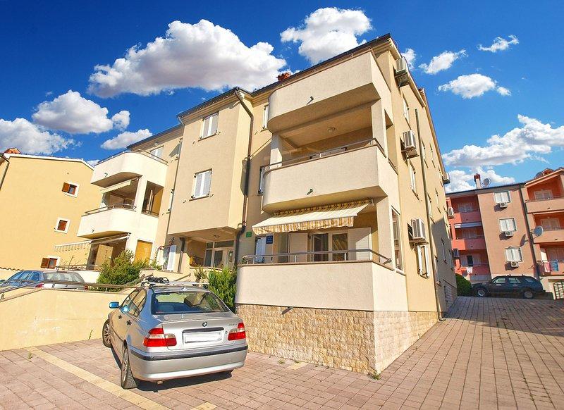 Apartment 13327, holiday rental in Premantura