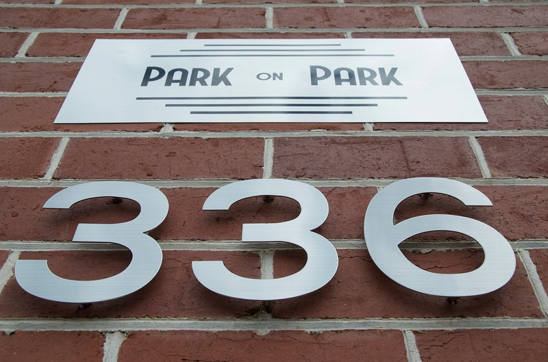 Hobart Accommodation - Park on Park, New Town. Art Deco: Hobart Style, holiday rental in Derwent Park