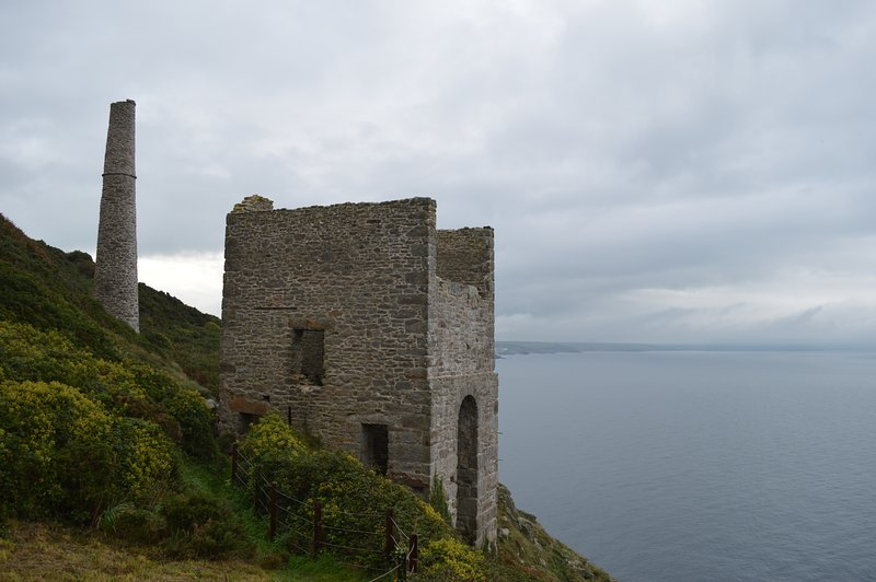 Cornish Engine house in cliff top