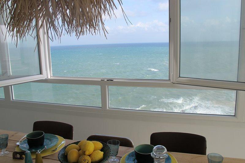 Beautiful apartment with sea view, vacation rental in Pueblo Nuevo de Guadiaro