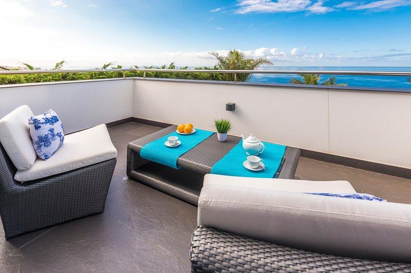 Palmeira Villa Sleeps 8 with Pool - 5782296, holiday rental in Estreito de Camara de Lobos