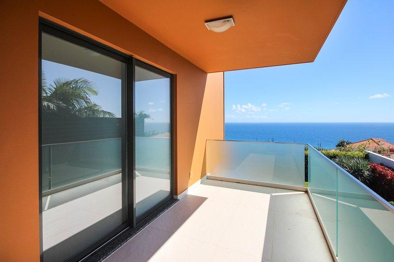 Palmeira Villa Sleeps 8 with Pool - 5782294, holiday rental in Estreito de Camara de Lobos