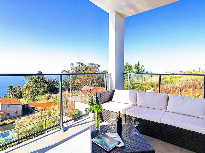 Prazeres Villa Sleeps 8 with Pool - 5786498, holiday rental in Prazeres