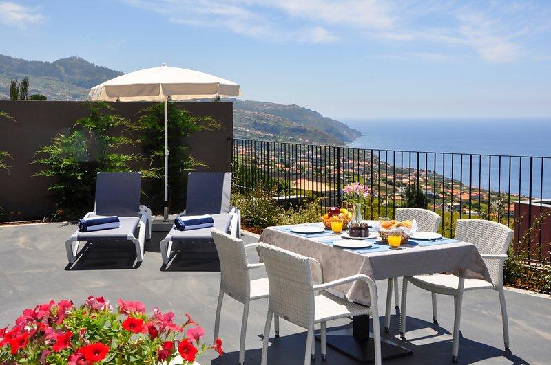 Jardim Pelado Villa Sleeps 10 with Pool and Air Con - 5784166, casa vacanza a Jardim do Mar