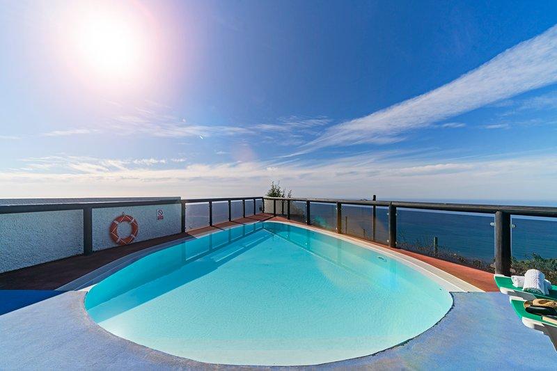 Senhora do Amparo Villa Sleeps 4 with Pool - 5772826, holiday rental in Faja da Ovelha