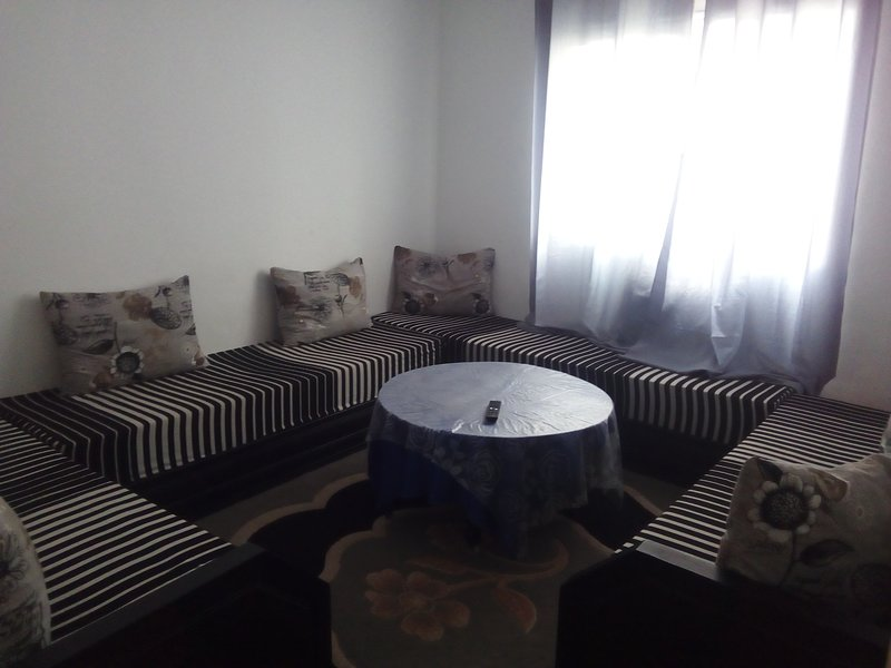 Beautiful apartment with garden, alquiler de vacaciones en Ait Melloul