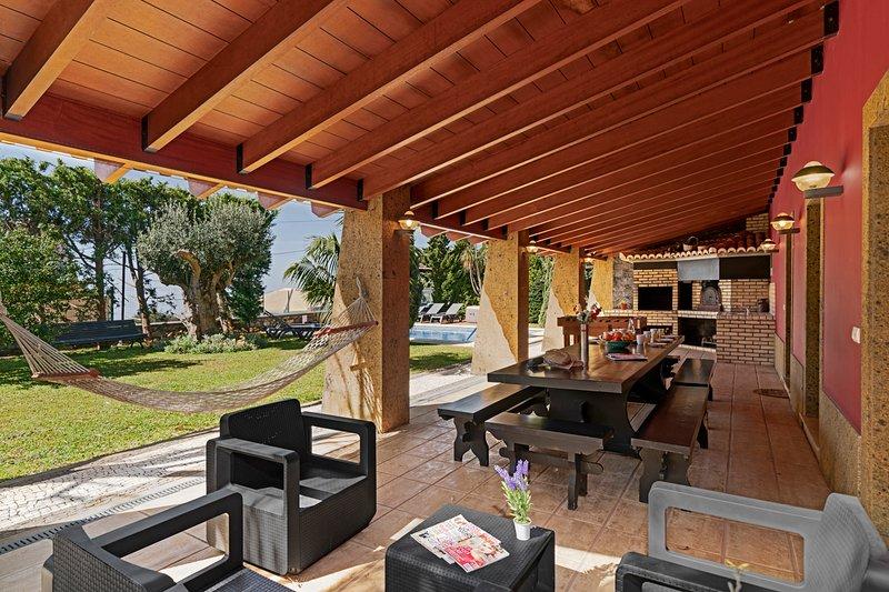 Prazeres Villa Sleeps 6 with Pool - 5772811, casa vacanza a Prazeres