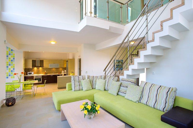 Skouloufia Villa Sleeps 8 with Pool and Air Con - 5757156, alquiler de vacaciones en Pikris