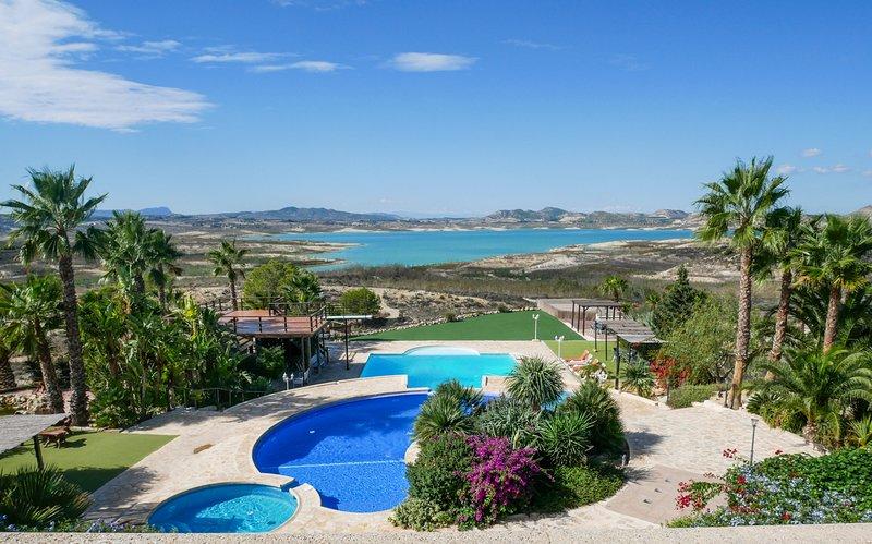 Urb Entre Naranjas Villa Sleeps 12 with Pool - 5743856, location de vacances à Lo Rufete