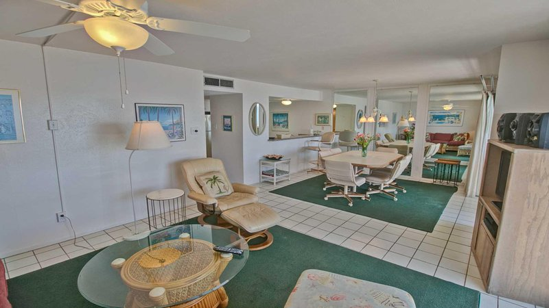 Ventilateur de plafond, meubles, chaise