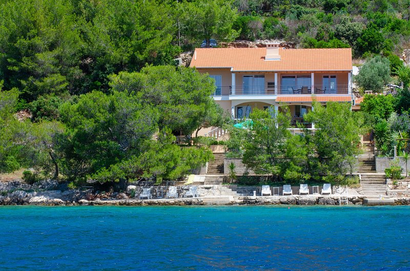 Korcula Apartment with great view, vacation rental in Blato