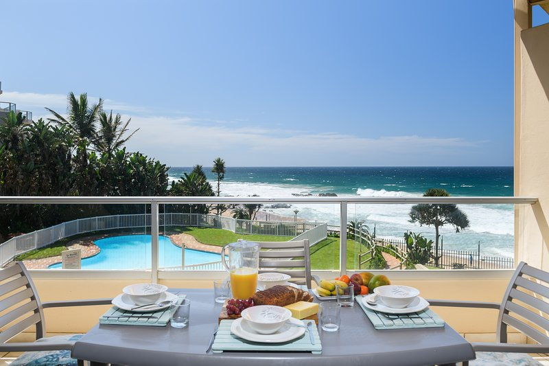 Wake up to a stunning ocean view and fall asleep to the sound of waves breaking, holiday rental in Shaka's Rock