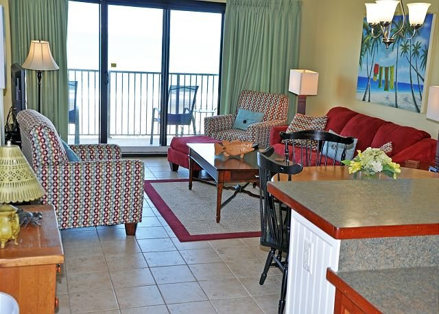 Oceanfront 3BR/2BA completely renovated condo at 2200 N Ocean, vacation rental in North Myrtle Beach