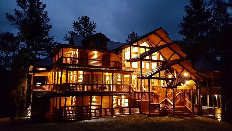 Hilltop AnandVille, vacation rental in Hochatown