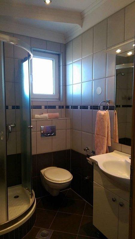 SA1 (2 + 1): Bad mit WC