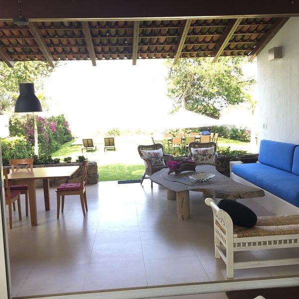 Hermosa Casa Frente Al Lago, alquiler de vacaciones en San Juan Cosalá