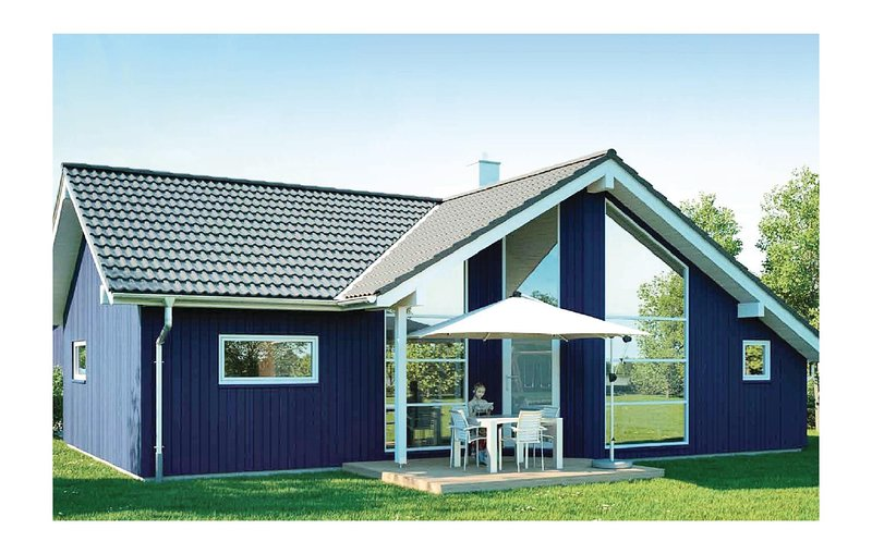Nice home in Krems II-Warderbrück with Sauna and 3 Bedrooms (DSH013), holiday rental in Seedorf