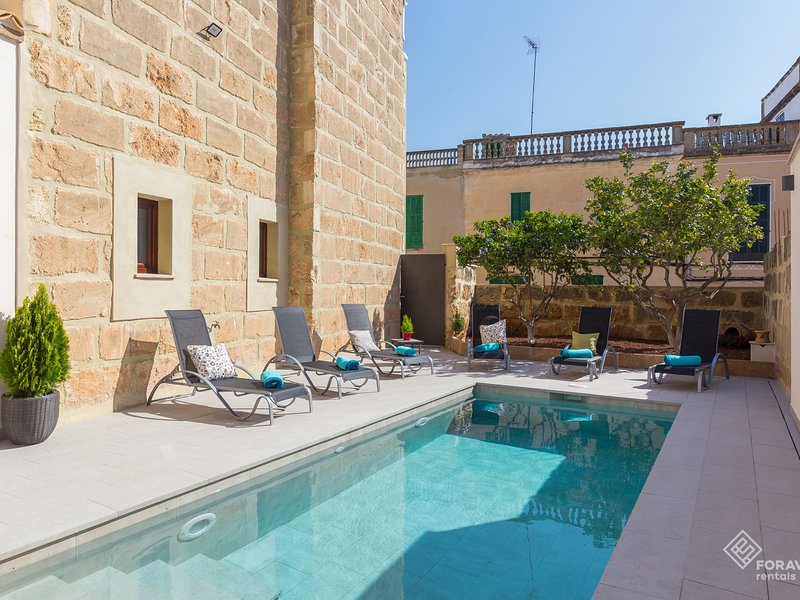 Son Siurana - Newtly built town house with pool in Ariany, holiday rental in Maria de la Salut