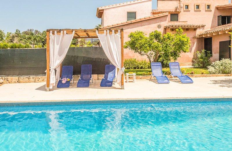 Rilassati in questa area piscina privata e tranquilla