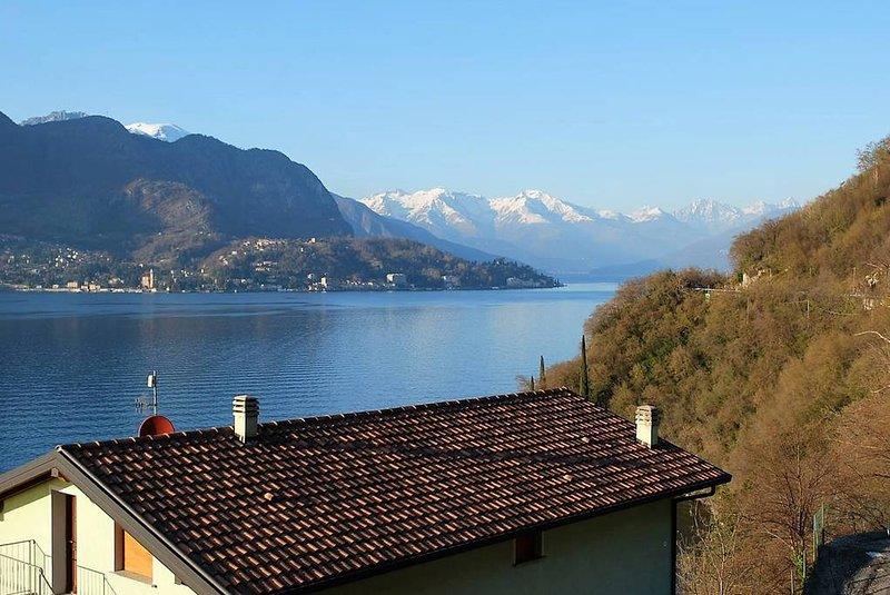 Sweet Home. Bellissimo appartamento a soli 4 km da Bellagio, vacation rental in Lezzeno